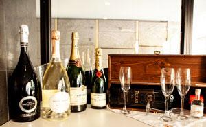 Champagner Flaschen und Glässer